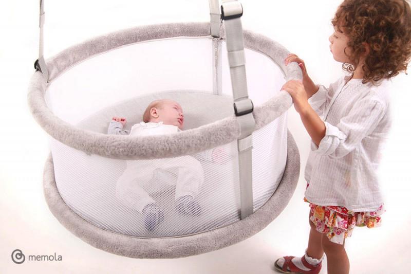 fr hchen babywiege babybettchen babyschaukel fr hchenkleidung. Black Bedroom Furniture Sets. Home Design Ideas
